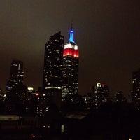 Foto tomada en Hilton New York Fashion District por Tiffany B. el 5/25/2013