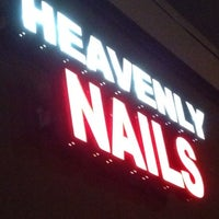 Photo prise au Heavenly Nails & Spa par Phu N. le2/8/2013
