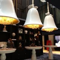 Das Foto wurde bei Andaz Amsterdam, Prinsengracht von Charlene D. am 11/30/2012 aufgenommen