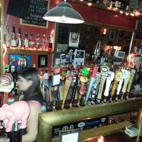 3/10/2013 tarihinde Jodi R.ziyaretçi tarafından Fourth Avenue Pub'de çekilen fotoğraf