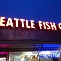 Foto diambil di Seattle Fish Company oleh Larissa pada 10/27/2012