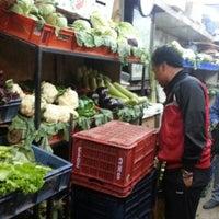รูปภาพถ่ายที่ Khanna Market โดย Abhijeet S. เมื่อ 12/1/2012