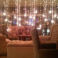 รูปภาพถ่ายที่ Hobby Cafe โดย C K. เมื่อ 1/30/2013