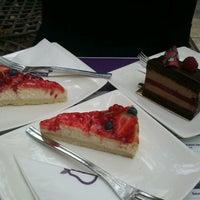 Снимок сделан в Lila Körte Cafe пользователем Timea K. 9/18/2012