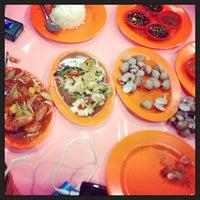 Foto tomada en Seafood45 por Sonya K. el 2/26/2013