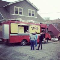 Foto diambil di PGH Taco Truck oleh Leena P. pada 2/10/2013