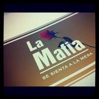 Foto tomada en La Mafia Se Sienta A La Mesa por La Visita C. el 11/23/2012