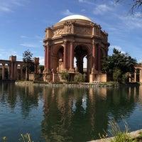 Foto scattata a Palace of Fine Arts da Stephen F. il 3/13/2013