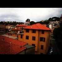 Foto tirada no(a) Hotel Adriana Logis por Thiso em 10/6/2012