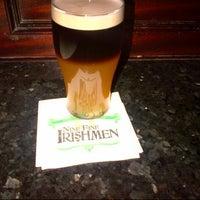 Das Foto wurde bei Nine Fine Irishmen von Amanda W. am 5/25/2013 aufgenommen