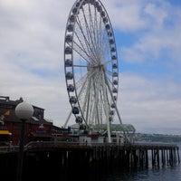 Das Foto wurde bei The Seattle Great Wheel von Peter F. am 7/4/2013 aufgenommen
