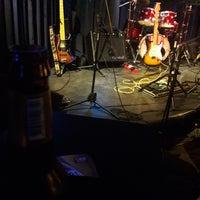 10/7/2017 tarihinde Anton M.ziyaretçi tarafından 60 m2 Jazz Bar'de çekilen fotoğraf