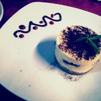 9/24/2012にZuhal A.がCamelot Cafe & Restaurantで撮った写真