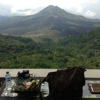 6/7/2013에 Nico P.님이 Sari Restaurant에서 찍은 사진