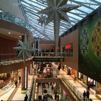 Снимок сделан в The Mall Athens пользователем Gianna P. 12/18/2012