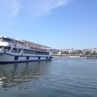 6/6/2013 tarihinde Tülay A.ziyaretçi tarafından Mavi Haliç Cafe'de çekilen fotoğraf