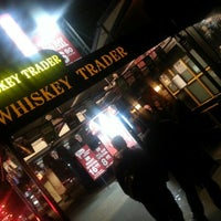 Photo prise au Whiskey Trader par Sean C. le10/20/2012
