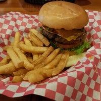 1/31/2016 tarihinde Don D.ziyaretçi tarafından KirbyG's Diner & Pub'de çekilen fotoğraf