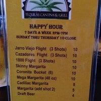 Снимок сделан в Tequilas Cantina and Grill пользователем Suzanne 9/22/2013