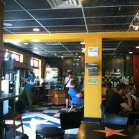 6/17/2013 tarihinde Jenn L.ziyaretçi tarafından Lemonjello's Coffee'de çekilen fotoğraf