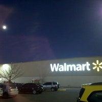 Foto tomada en Walmart por Matias B. el 6/21/2013