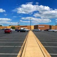 Снимок сделан в Walmart Supercenter пользователем Raymond W. 7/20/2018