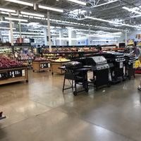 Снимок сделан в Walmart Supercenter пользователем Raymond W. 6/29/2018