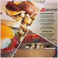6/30/2013にArnold M.がCustom Burgerで撮った写真