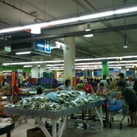 รูปภาพถ่ายที่ NSK Trade City โดย Pinky L. เมื่อ 2/16/2013
