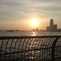 Photo prise au Battery Park City Esplanade par George C. le5/22/2013