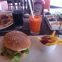 2/27/2013에 Osman A.님이 KA'hve Café & Restaurant에서 찍은 사진