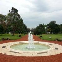 รูปภาพถ่ายที่ El Rosedal โดย Ernesto T. เมื่อ 10/20/2012
