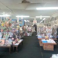Снимок сделан в Meltdown Comics and Collectibles пользователем Robert B. 11/28/2012