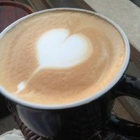 6/11/2013 tarihinde Fatih S.ziyaretçi tarafından Gloria Jean's Coffees'de çekilen fotoğraf