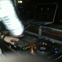 Foto tomada en Suite Nightclub Milwaukee por Darren Martin M. el 10/7/2012