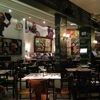 Foto tirada no(a) Verissimo Bar por Alchan J. em 2/2/2013