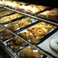 Foto scattata a Di Bruno Bros. da Mel C. il 12/22/2012