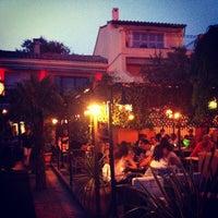 รูปภาพถ่ายที่ Gusto Caffe โดย J'm L. เมื่อ 7/14/2013