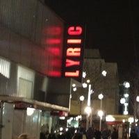 รูปภาพถ่ายที่ Lyric Hammersmith โดย Maral เมื่อ 12/7/2012