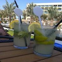 10/25/2012 tarihinde Tatiana Y.ziyaretçi tarafından Pool Bar'de çekilen fotoğraf