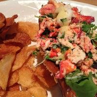 Foto diambil di East Hampton Sandwich Co. oleh Staslie U. pada 9/28/2012