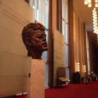 Foto scattata a Kennedy Center Opera House da Charlene V. il 10/25/2012