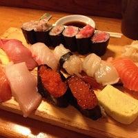Foto tomada en Tomoe Sushi por Ken el 9/14/2012