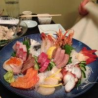 12/21/2012 tarihinde Tiger L.ziyaretçi tarafından Shiro's'de çekilen fotoğraf
