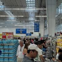 Foto tomada en Walmart por Jorge F. el 6/30/2013