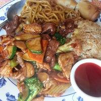 Foto diambil di Wing's Chinese Restaurant oleh Vikie L. pada 3/23/2013
