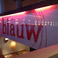 Foto diambil di Restaurant Blauw oleh Agus H. pada 12/18/2012