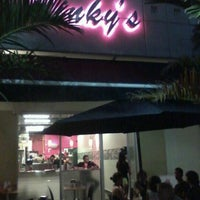 Foto diambil di Pinky's oleh Bici R. pada 10/12/2012