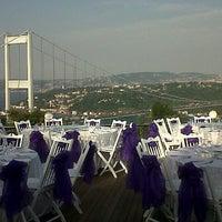 9/15/2012 tarihinde Eylem B.ziyaretçi tarafından Doğatepe Restaurant'de çekilen fotoğraf