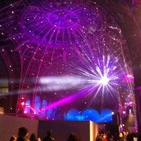 Foto tirada no(a) Grand Palais por Arthur B. em 12/21/2012